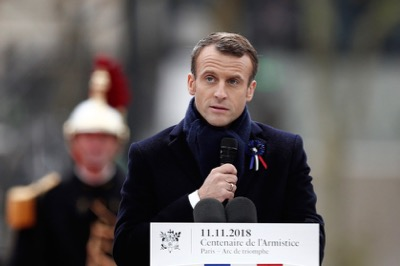 Twitter: À peine sorti de France, Donald Trump se moque d'Emmanuel Macron