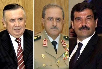Les généraux Hassan Turkmani, Daoud Rajha et Assef Chawkat, tombés au champ d'honneur le 18 juillet.