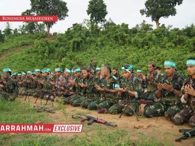 Perfettamente equipaggiato, il Movimento per la Fede altrimenti detto Esercito di salvezza dei Rohingya dell'Arakan, è stato addestrato dai britannici in Arabia Saudita e Bangladesh. Prima dell'inizio degli attuali eventi, comprendeva almeno 5.000 soldati.