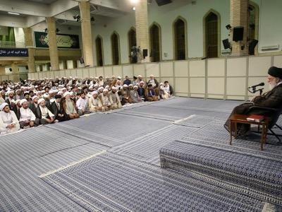 Per l'ayatollah Ali Khamenei, l'impegno militare del suo paese a fianco della NATO e dell'Arabia Saudita in Birmania sarebbe una catastrofe. Soprattutto visto che l'Iran ha una storia millenaria di cooperazione con la Cina.