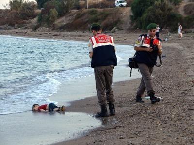 Migrants: Faire appel à l'émotionnel, est ce bien raisonnable? 1_-_1_2_-25-13c36