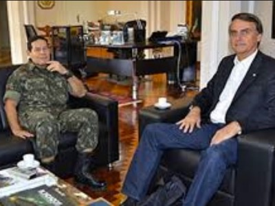 Brazilian Vice-President Hamilton Mourão with President Jair Bolsonaro.
