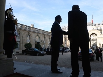 On 31 October 2014, François Hollande escorted Recep Tayyip Erdoğan back to the Elysée staircase. Another guest has just discreetly stepped out the back door, the pro-Turkish Kurdish Salih Muslim.