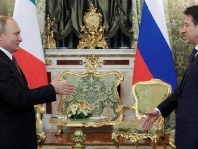 Der Steinerne Gast am Tisch mit Italien und Russland